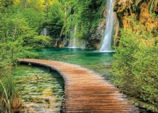 Фототапет пътека сред водопади - 1967